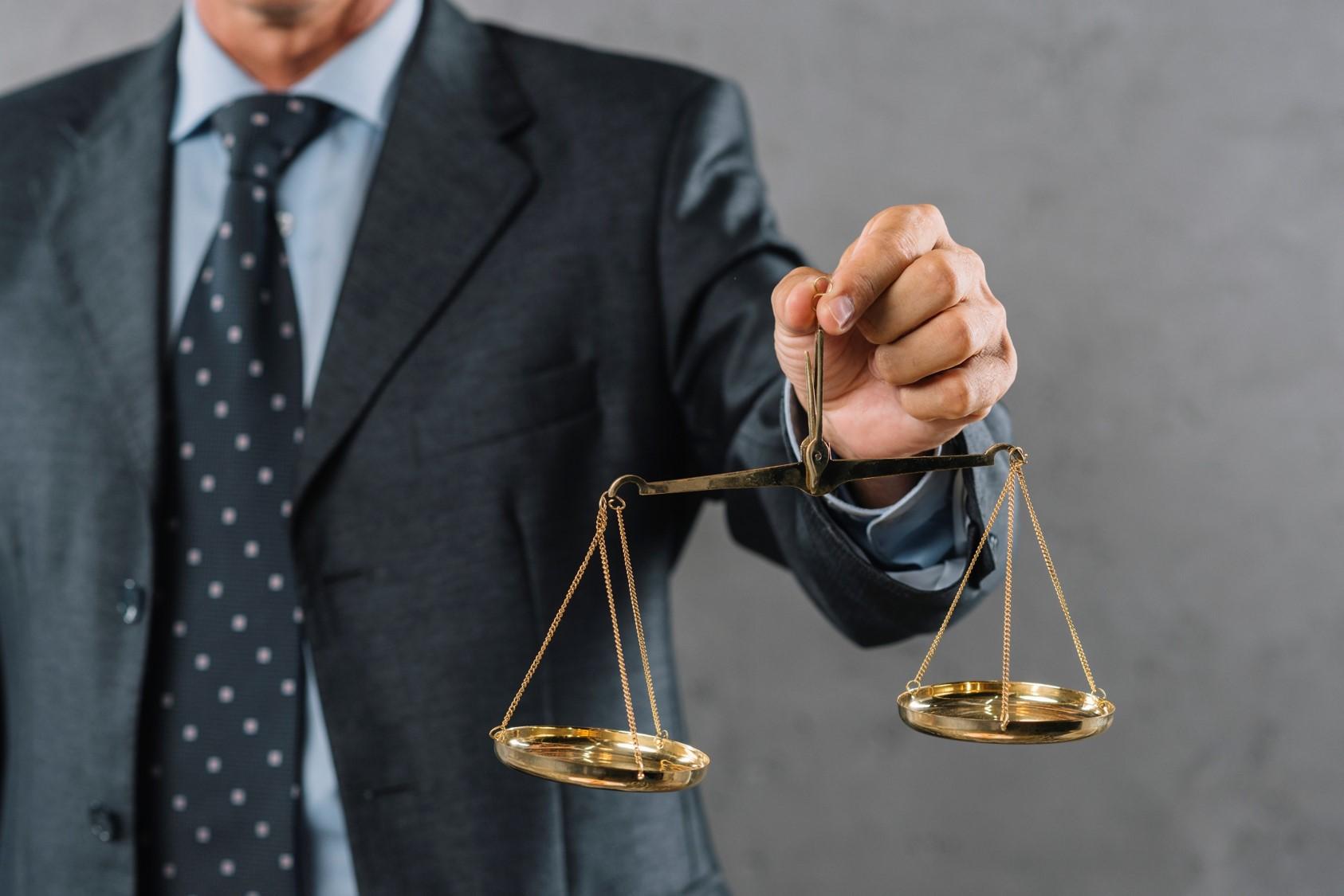 Postanowienia umowne dotyczące sądu polubownego w zamówieniach publicznych. O czym powinni pamiętać przedsiębiorcy?