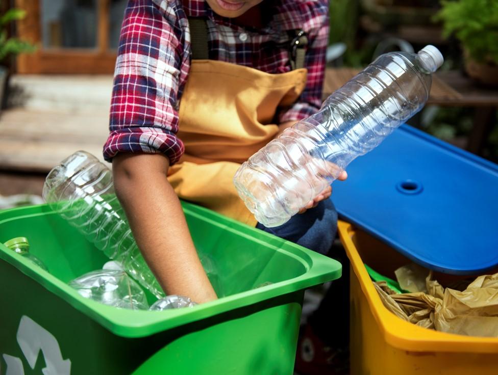 """Nagranie z webinarium """"Circular economy – jak wdrożyć cyrkularny model gospodarowania odpadami w przedsiębiorstwie"""""""