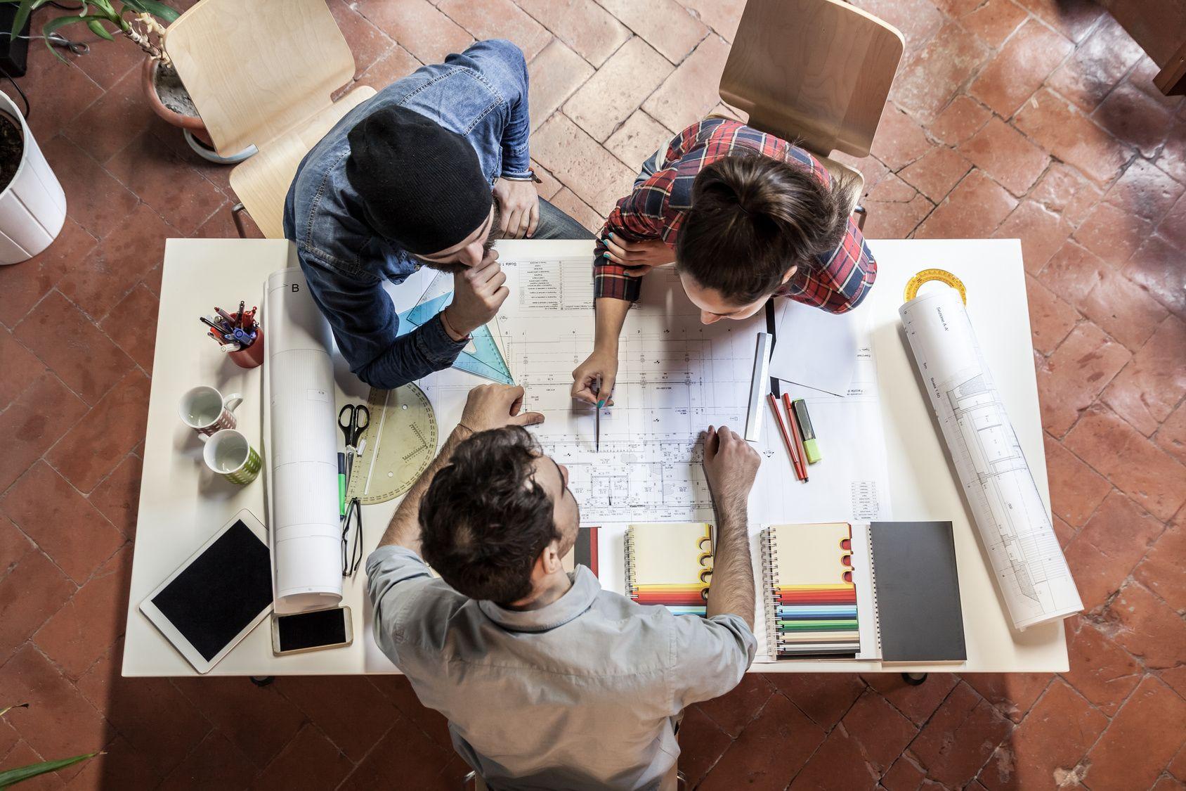 Oferujesz usługi rozwojowe – przygotuj ofertę dla firm z 7 sektorów